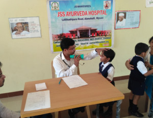 Free-Medical-Camp-at-JSS-public-school-2018-img13